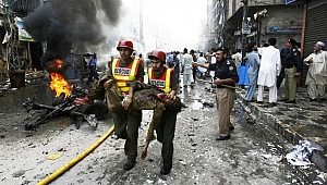 Pakistan'da bombalı saldırı: 15 ölü, 30 yaralı