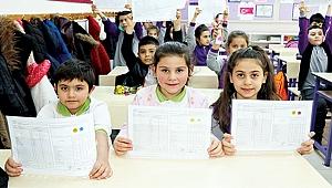 240 bin 915 öğrenci karne sevinci yaşadı