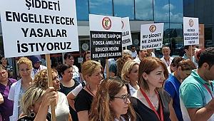 Samsun'da sağlıkçılardan sağlıkta şiddete tepki