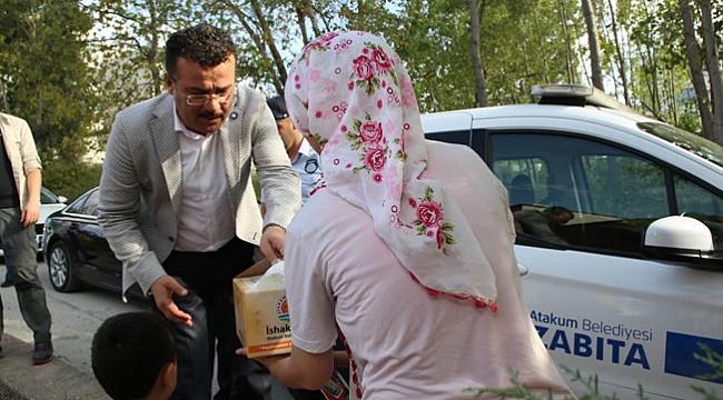 Atakum'da her yıl olduğu gibi yine kurban eti dağıtıldı