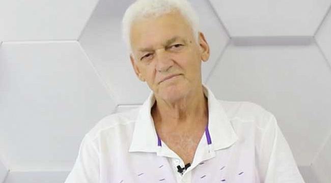 Avusturalyalı Eric Ahmet gözlüklerden kurtuldu