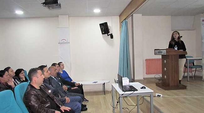 Kavak'ta kadına şiddet konulu konferans verildi