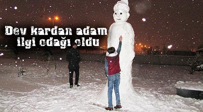 Dev kardan adam ilgi odağı oldu