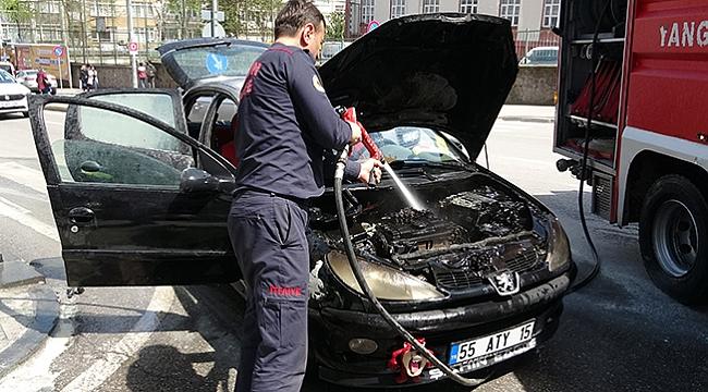 Benzin aldıktan 5 dakika sonra otomobili yandı