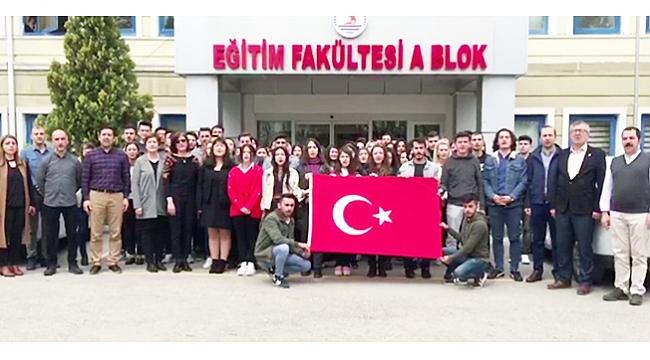 100. yıl anısına İstiklal Marşı'nı gururla söylediler