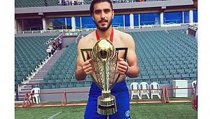 Burhan'ın forma  giydiği takım 2. Lig'de