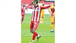 'Kulüpten de yönetimden de memnunum'