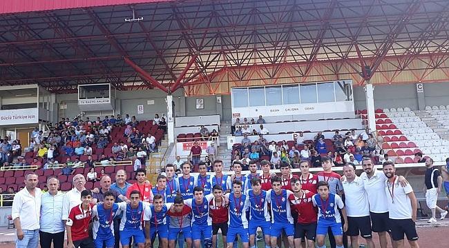 Kadıköyspor Türkiye üçüncüsü
