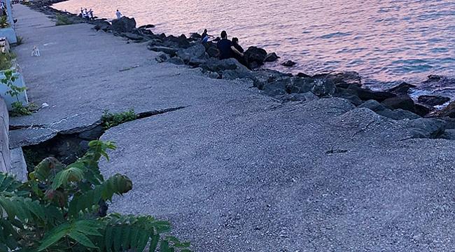 Karadeniz'in hırçın dalgaları çatlaklar oluşturdu