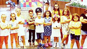 Küçük sanatçıların büyük sergisi