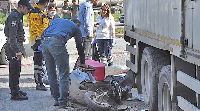 Kamyonla çarpışan motosikletin sürücüsü öldü