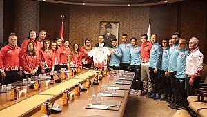 Bakan Kasapoğlu judocuları ağırladı