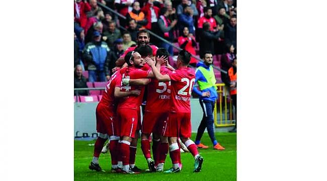 ZİRVEYE 'SAĞLAM' ADIMLARLA 3-0