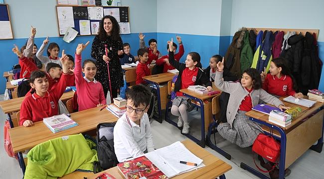 Zeynep öğretmen ışık oluyor