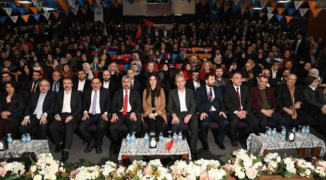 AK Parti Canik'te Gençay  yeniden başkan seçildi