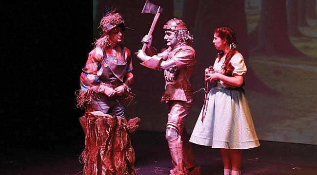 SAMDOB 'Sihirbaz Oz'u sahneledi