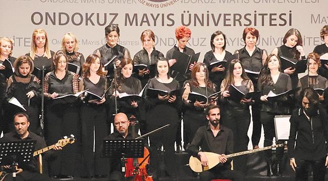 Akademisyen kadınlar korosundan konser