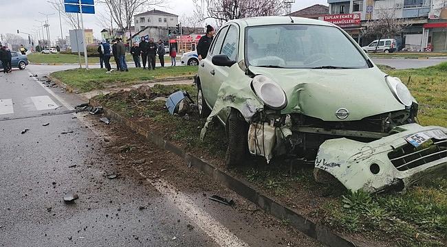 Çarşamba'da trafik kazaları: 3 yaralı