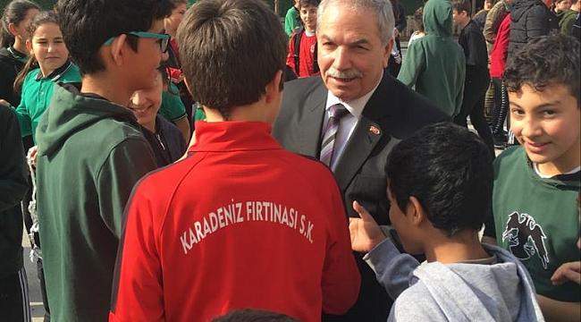 Demirtaş'tan okul ziyaretleri