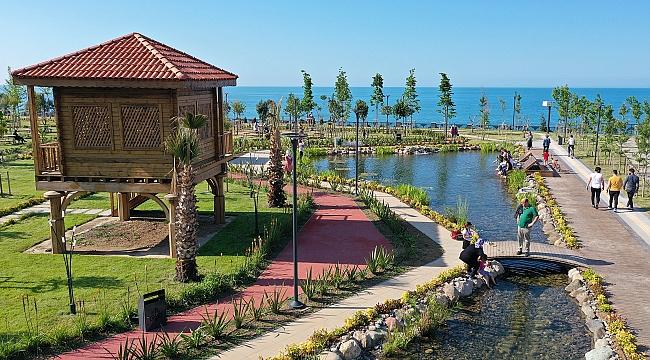 Karadeniz manzaralı millet bahçesi