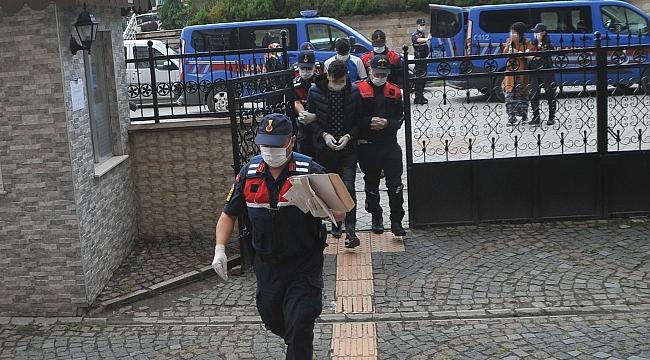 Uyuşturucu tacirlerineoperasyon: 5 gözaltı