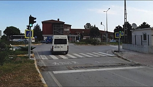 Salıpazarı'na ilk trafik lambası