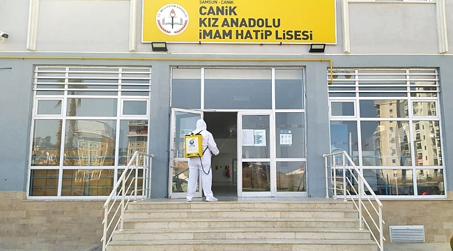 Canik'te okullar dezenfekte edildi