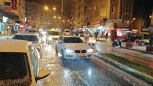 Bafra'da beklenen kar dolu şeklinde yağdı