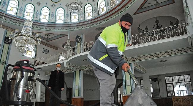 Canik'te camilere ramazan bakımı