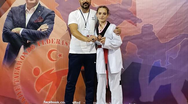 Beyza Türkiye üçüncüsü