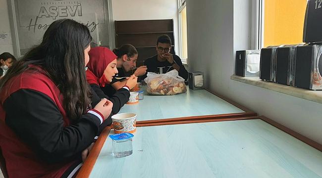 Çarşamba'da öğrencilere ücretsiz çorba