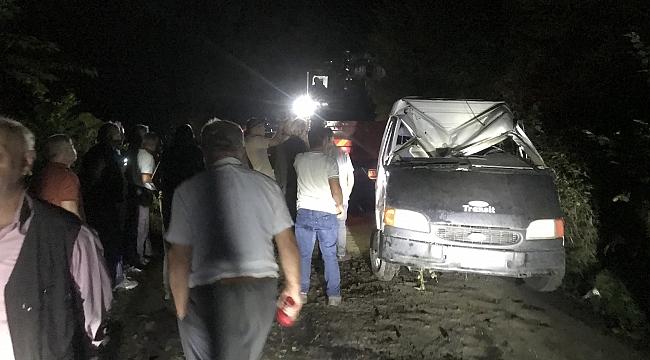 İşçi minibüsü devrildi: 13 yaralı