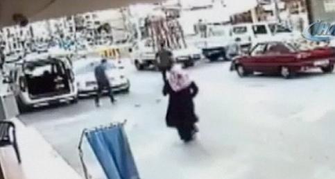 Vatandaşın dikkati küçük kızı ölmekten kurtardı