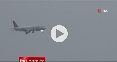 Antalya'da uçaklar beşik gibi sallandı