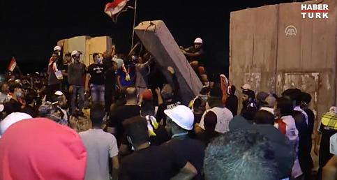 Bağdat'ta göstericilere müdahale: 1 ölü, 70 yaralı