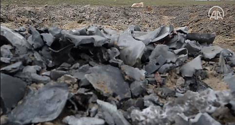 İran'ın ABD üssünü vurduğu ırak'taki bölgeden balistik füze parçaları görüntülendi