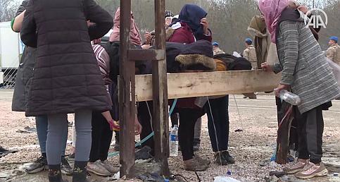 Sığınmacıların Avrupa kapısında bekleyişlerinin 13. gününe girildi