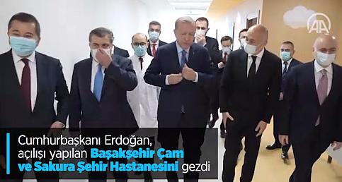 Cumhurbaşkanı Erdoğan, açılışı yapılan Başakşehir Çam ve Sakura Şehir Hastanesini gezdi