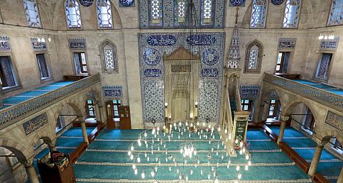 """Sokullu Mehmet Paşa Camisi'nde """"cennetten"""" gelen parçaları görmek mümkün"""