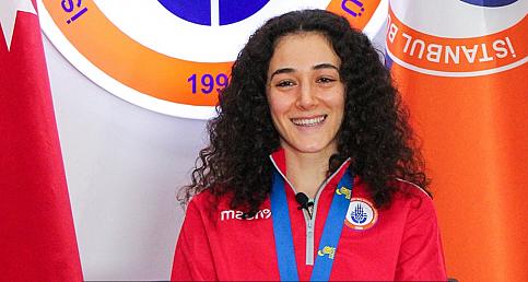 Avrupa madalyası hayalini gerçekleştiren milli badmintoncu gözünü Tokyo Olimpiyatları'na dikti