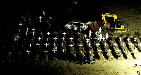 Endonezya'da Kovid-19 nedeniyle hayatını kaybedenlerin cenazeleri defnedildi